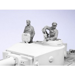 German SS tank crew. Summer 1943-45.  Two figures.