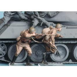 Soviet motor rifle troops №6. Summer 1943-45. Two figures.