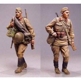 Red Army men.  Summer 1941.  Two figures.