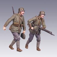 The German soldiers  WWI 2 figures with МG 08/15 German machine gun
