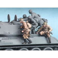 Soviet motor rifle troops. Summer 1943-45. Two figures.