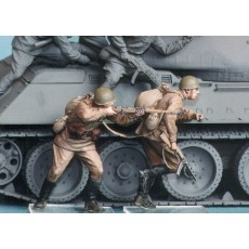 Soviet motor rifle troops №6. Summer 1943-45. Two figures.