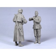German feldaendarme with driver 1941-45. Two figures.