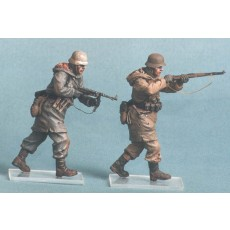 German infantry SS. Kharkow,winter 1943. Two figures.