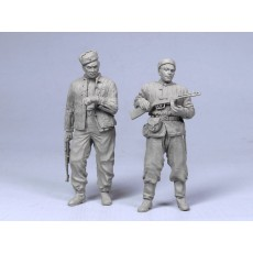 Red Army scouts.  Summer 1943-45.  Two figures.