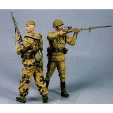 Soviet Snipers.  N. Ilin and P.  Goncharov.  Stalingrad Summer 42.  Two fig.