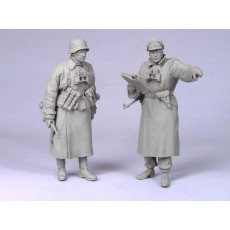 German tank officer & SS officer.  Winter 1941-43.  Two figures.