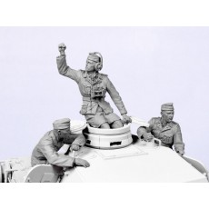 German tank crew D. A. K.  №2 1941.  Three figures.