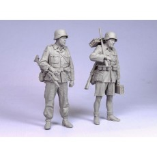 German infantrymen D. A. K.  1941.  Two figures.