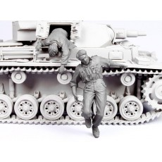 Escaping German tank crew №2.  Summer 41-44.  Two figures.