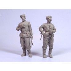 Red Army scouts III.  Summer 1943-45.  Two figures.