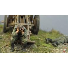 War is over.  German gun crew, Kursk, summer 1943.  Two figures.