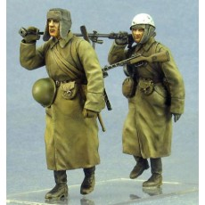 Soviet infantry with PTRD. (Winter 1941-43). Two figures.